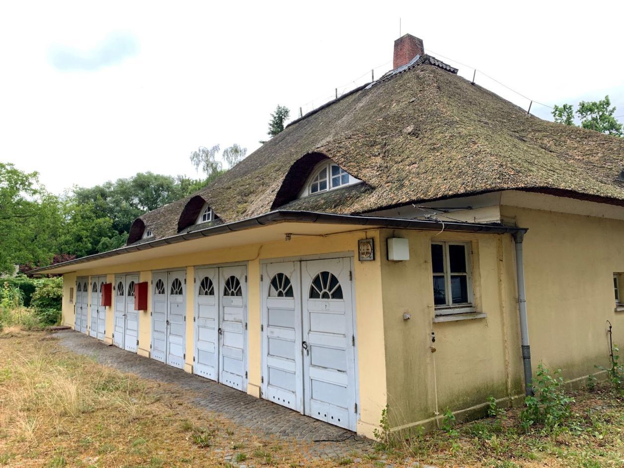 Rückseite mit Garagenanbau von 1935, Foto: Kristina Sassenscheidt