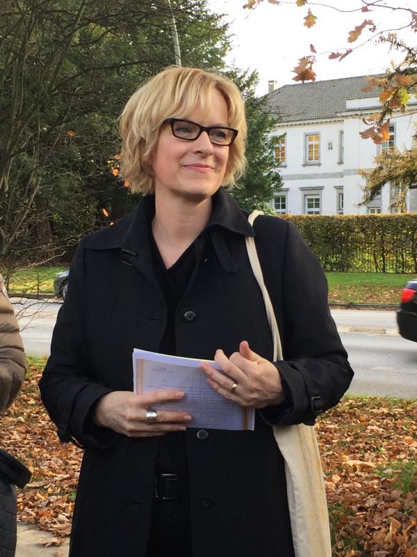 Die Historikerin Dr. Anke Rees führt in die Geschichte der Remise ein, Foto: Karin Wachtel