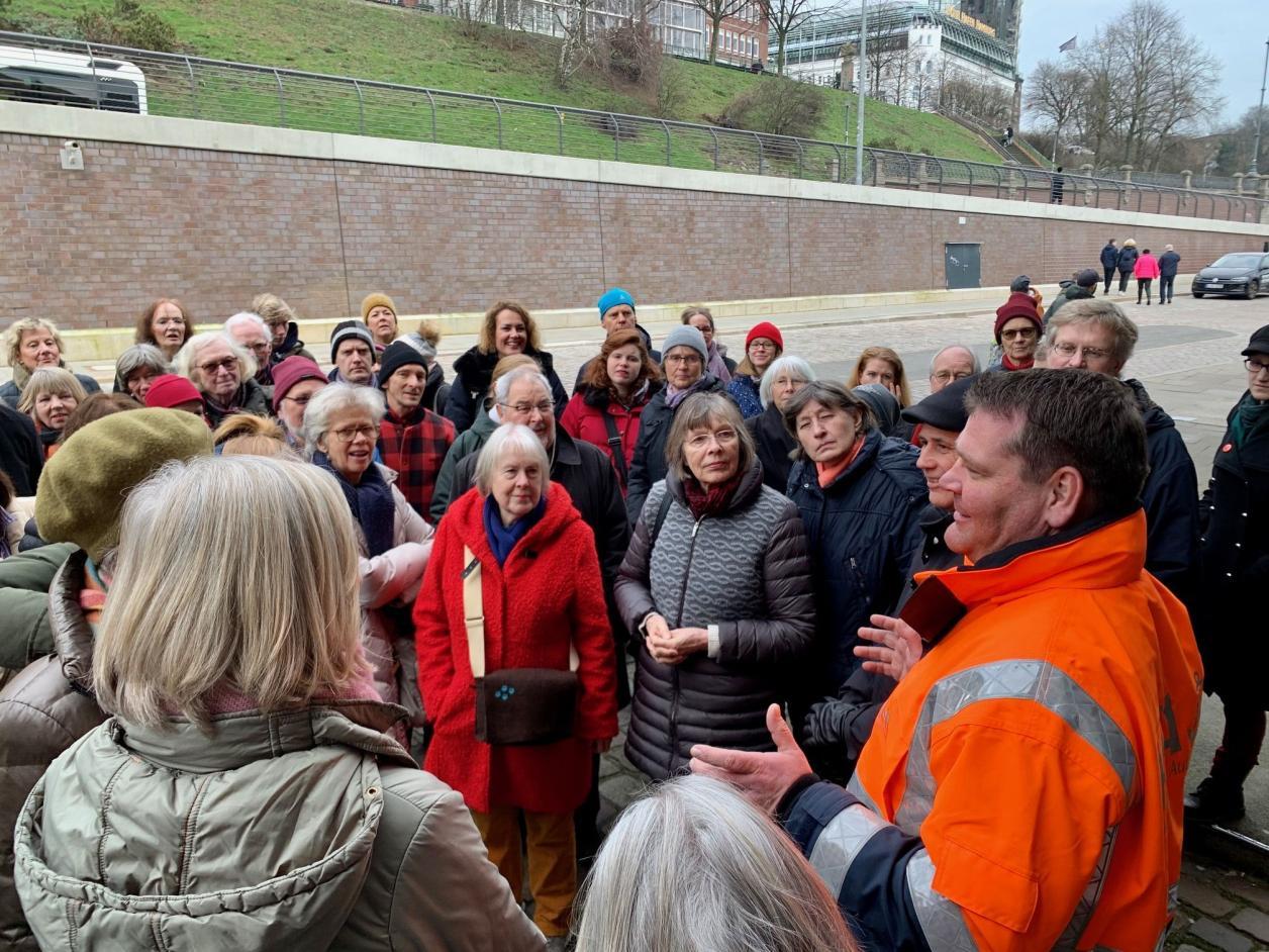 Begrüßung, Foto: Kristina Sassenscheidt