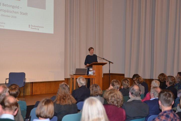 Überleitung Kristina Sassenscheidt, Foto: Yo Loewy
