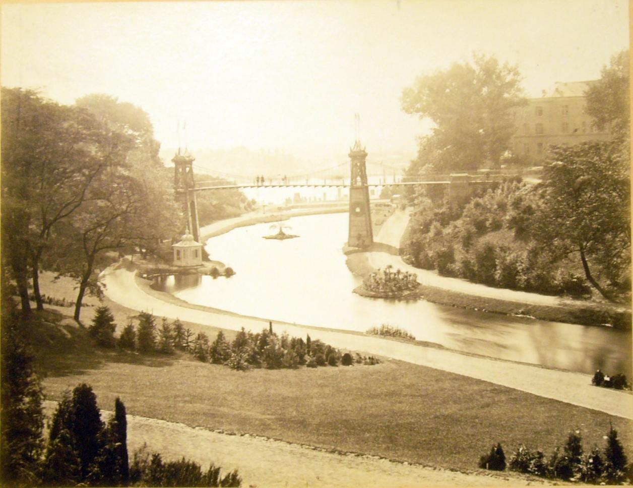 Hängebrücke auf der IGA 1869 (Foto: C. Damann)