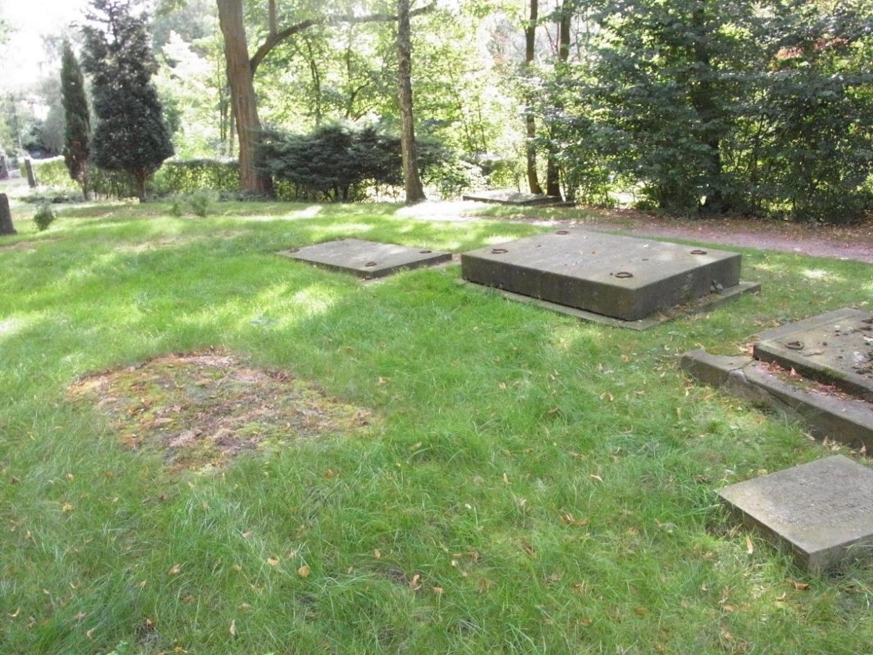 Überschüttetes Grabmal, Foto: Winfried Prehn
