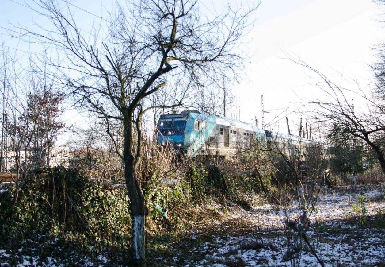 Bahnstrecke neben dem Friedhof, Foto: Kirsten Petersen