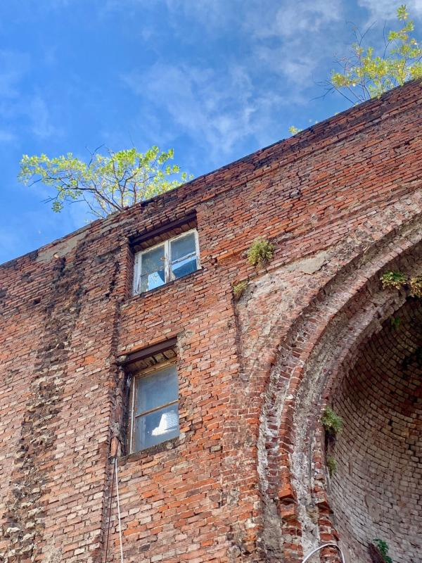 Fortgeschrittener Verfall des Apsis-Gebäudes, Foto: Kristina Sassenscheidt
