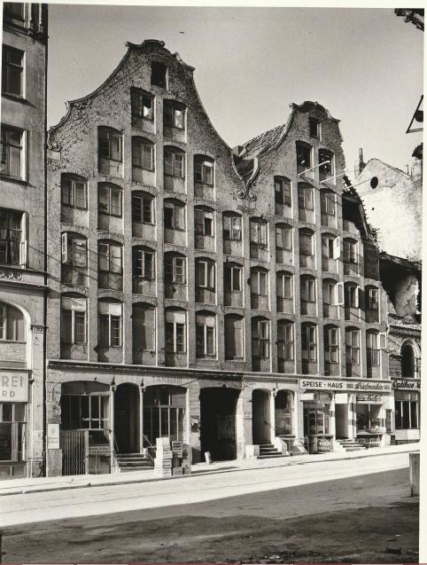 Paradieshof vor Kriegsschäden Foto: Staatsarchiv Hamburg; Willi Beutler 720-1/343-1/00008780