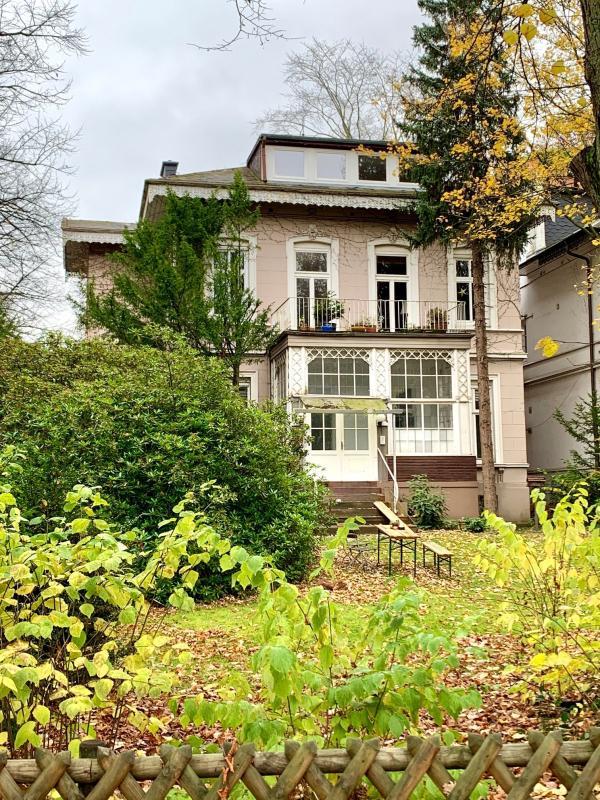 Die Villa von der Herbert-Weichmann-Straße aus, Foto: Kristina Sassenscheidt