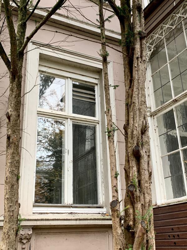 Bauzeitliches Fenster, Foto: Kristina Sassenscheidt