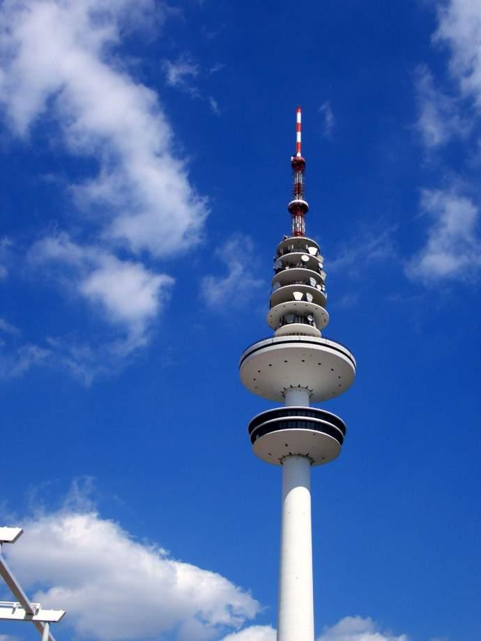 Wer haucht dem Fernsehturm wieder Leben ein? Der Denkmalverein wirbt in 125 Meter Höhe für seine Arbeit