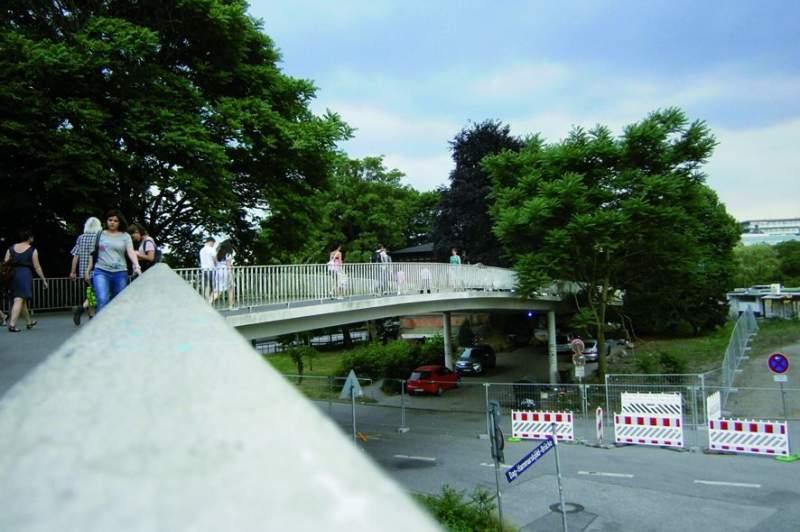 Brücke Dag-Hammarskjöld-Platz